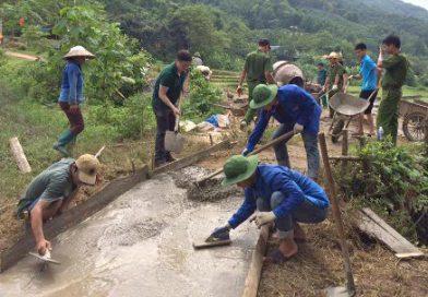 Thăm, động viên đoàn tình nguyện tham gia tái cơ cấu nông nghiệp tại xã Cốc Mỳ, huyện Bát Xát