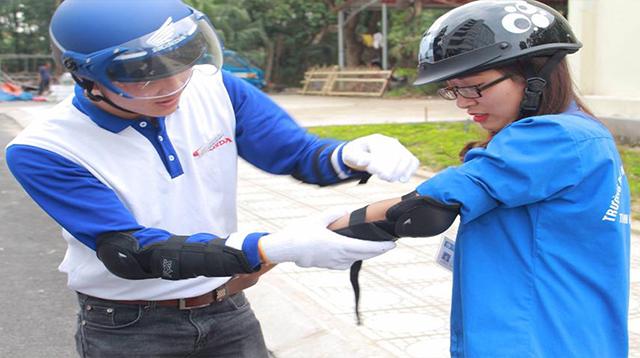 Chương trình tập huấn kiến thức và kỹ năng lái xe an toàn.
